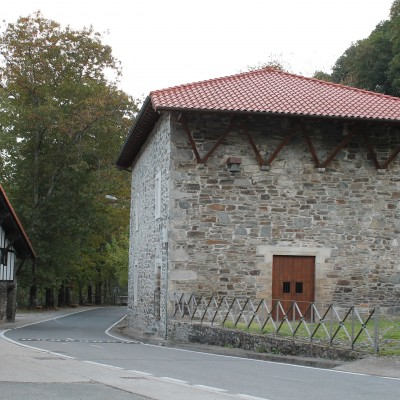 Madalenako-ermita-2.jpg